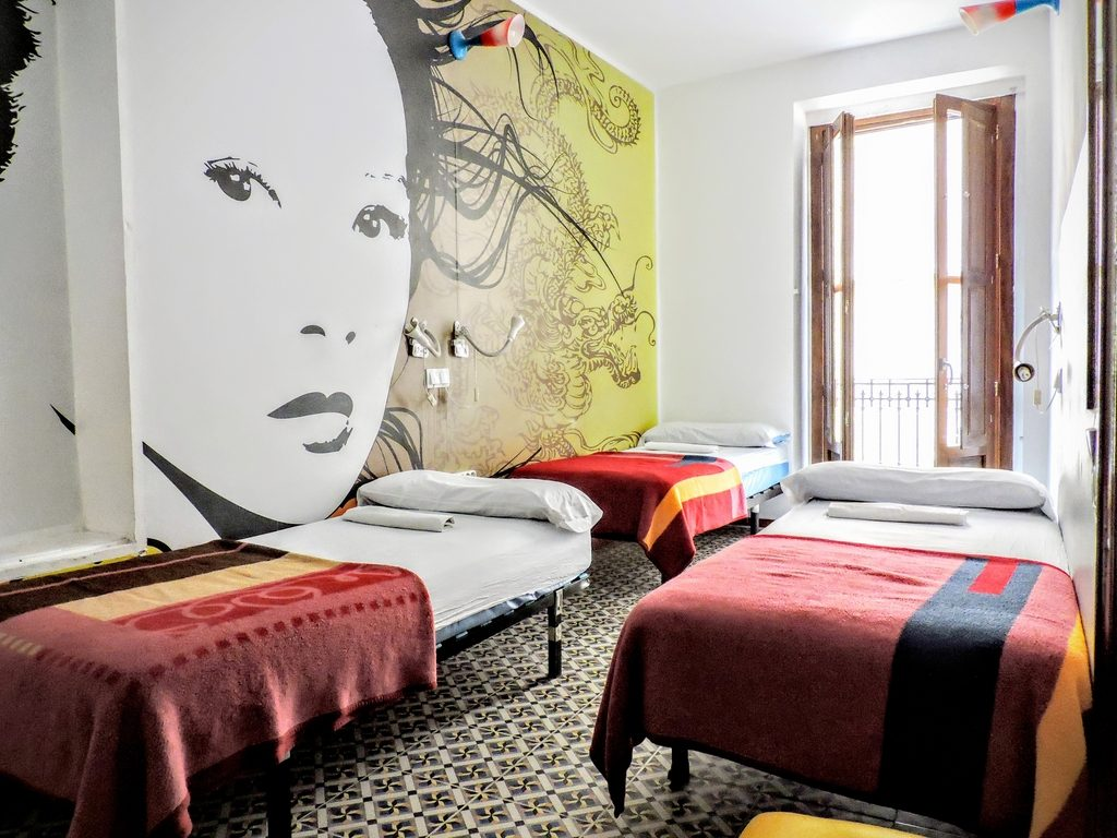Habitaciones para Chicas de 3 camas Home Youth Hostel